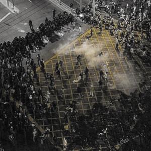 13-11-12_edson-teles_a-dificuldade-de-dic3a1logo-das-ruas-com-o-governo